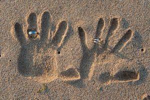 aliança casamento praia