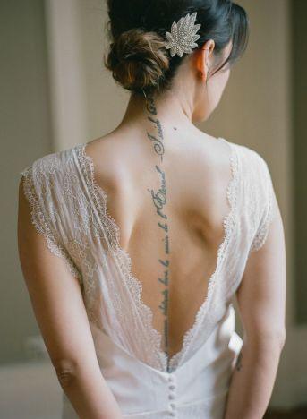 noiva tatoo costas pequena