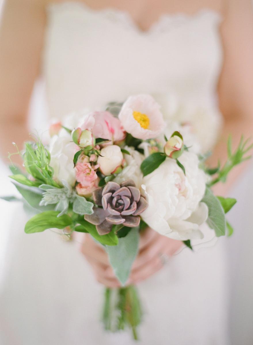14 tipos de Buquê de Noiva pra você escolher o seu!