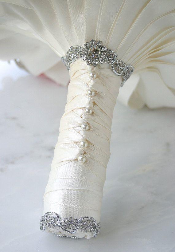DIY: Buquê de Noiva com flores artificiais . (6/6)