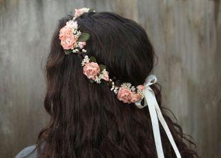 casamento-paleta_cores-pessego_verde_cinza_coroa_flores_01