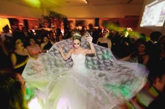 casamento_noiva_vestido_festa_pista_01
