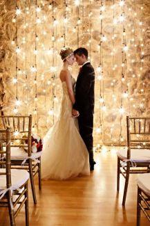 casamento_inverno_casal_luzes_cortina_01