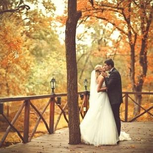 casamento_outono_casal_beijo_01