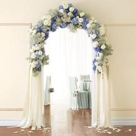 casamento_arco_portal_flores_cortina_azul_01