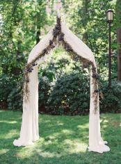 casamento_arco_portal_flores_cortina_azul_marrom_01