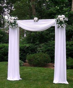 casamento_arco_portal_flores_cortina_branco_09