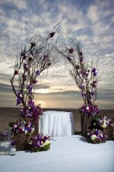 casamento_arco_portal_flores_cortina_galhos_roxo_03