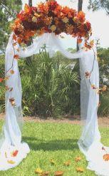 casamento_arco_portal_flores_cortina_laranja_01