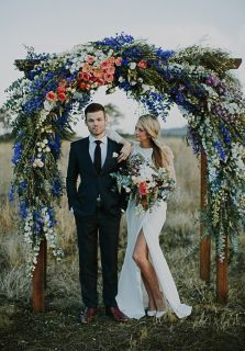 casamento_arco_portal_flores_cortina_laranja_azul_01