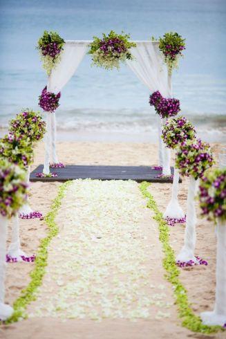 casamento_arco_portal_flores_cortina_roxo_01