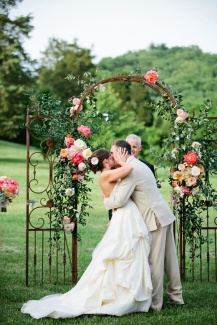 casamento_arco_portal_flores_cortina_salmao_02