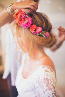 casamento_paleta-de-cores_rosa_laranja_noiva_coroa-de-flores_01