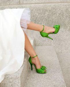 casamento_paleta_cores_branco_verde_sapato_02
