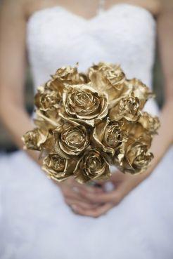 casamento_paleta-de-cores_dourado_branco_buque_02