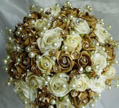 casamento_paleta-de-cores_dourado_branco_buque_03
