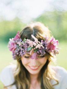 casacomidaeroupaespalhada_noivas-diferentes-originais_coroa-flores_01