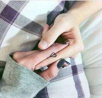 casacomidaeroupaespalhada_tatuagem_casal_tattoo_23