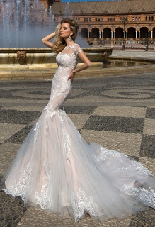 casacomidaeroupaespalhada_oksana-mukha_wedding-dress_2017-ADALYN