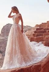 casacomidaeroupaespalhada_oksana-mukha_wedding-dress_2017-AURA