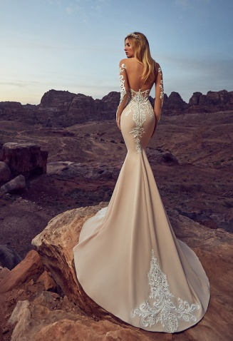 casacomidaeroupaespalhada_oksana-mukha_wedding-dress_2017-DEYA