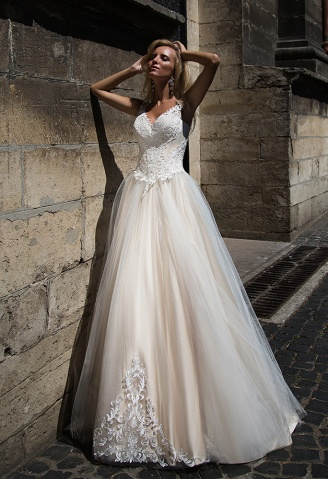 casacomidaeroupaespalhada_oksana-mukha_wedding-dress_2017-VALENTINA