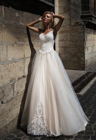 casacomidaeroupaespalhada_oksana-mukha_wedding-dress_2017-VALENTINA