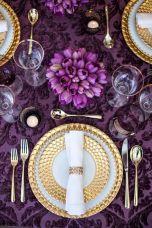 casacomidaeroupaespalhada-blog-casamento-pantone-2018-ultra-violet-ideias-decoracao-buque-noiva-madrinhas-03