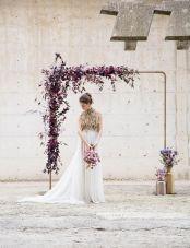 casacomidaeroupaespalhada-blog-casamento-pantone-2018-ultra-violet-ideias-decoracao-buque-noiva-madrinhas-04