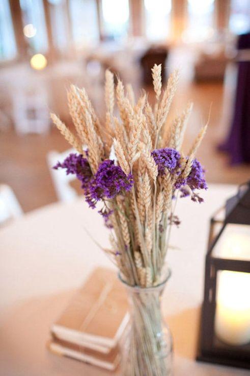 casacomidaeroupaespalhada-blog-casamento-pantone-2018-ultra-violet-ideias-decoracao-buque-noiva-madrinhas-15