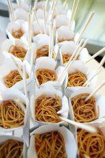 casacomidaeroupaespalhada_casamentos_tendencias_2019_buffet_foodstations_estacoes_03