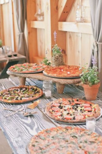 casacomidaeroupaespalhada_casamentos_tendencias_2019_buffet_foodstations_estacoes_pizza_06