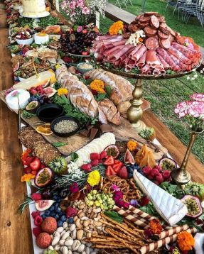 casacomidaeroupaespalhada_casamentos_tendencias_2019_buffet_grazing_table_05