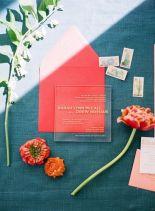 casacomidaeroupaespalhada_casamentos_tendencias_2019_convites_acrilico_03