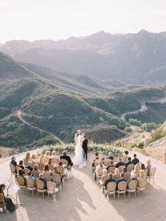 casacomidaeroupaespalhada_casamentos_tendencias_2019_mini-wedding_01