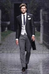 casacomidaeroupaespalhada_casamentos_tendencias_2019_noivo_3piecesuit_terno_colete_mix_cores_diferentes_02
